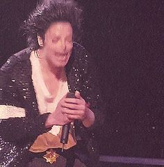 bluemoonwalker: Michael Jackson performing Black or White at the Anniversary requested by theoneinthemirror Billie Jean Michael Jackson, Janet Jackson, Michael Jackson Neverland, Peace And Love, Love You, You Are My Life, King Of Music, The Jacksons, Beautiful Inside And Out