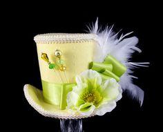 Flor amarillo verde y crema grande Mini sombrero por TheWeeHatter
