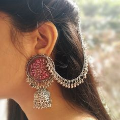 Jewelry Design Earrings, Gold Earrings Designs, Ear Jewelry, Necklace Designs, Chain Earrings, Jewellery Designs, Jewelry Patterns, Bridal Jewellery Inspiration, Indian Bridal Jewelry Sets