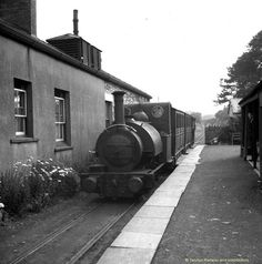 No.1 'Talyllyn' stands at Pendre station in 1938. Talyllyn Railway Archive.