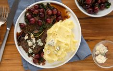Herb-Garlic Crusted Steak with Sautéed Grapes and Spinach, Blue Cheese and Mashed Potatoes How To Cook Steak, Blue Cheese, Raisin, Mashed Potatoes, Spinach, Garlic, Veggies, Stuffed Peppers, Cooking