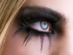 Google Image Result for http://www.my-virtual-makeover.com/image-files/gothic-eye-makeup-300.jpg