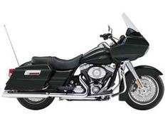 Used 2009 Harley-Davidson Road Glide® Motorcycles For Sale in Ohio,OH. While the sleek custom style and aerodynamic fairing are easy on the eyes, the Harman / Kardon® Advanced Audio System is music to your ears. Engine: - Oil Capacity: 4 qt. (3.8 l)