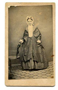 CDV Carte de Visite Civil War Era Lady Fancy Hoop Dress Shawl Bonnet | eBay