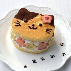 Pretty Cakes, Cute Cakes, Japanese Snacks, Japanese Food, Kawaii Dessert, Food Porn, Cute Snacks, Good Food, Yummy Food