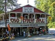 These 6 Charming Cider Mills In North Carolina Will Have You Longing For Fall Camping In North Carolina, North Carolina Mountains, North Carolina Homes, South Carolina, Banner Elk North Carolina, Fayetteville North Carolina, Carolina Pride, Nc Mountains, Blue Ridge Mountains