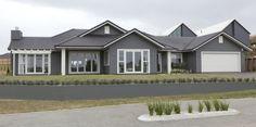 55 ideas exterior house colors gray james darcy for 2019 Siding Colors For Houses, Exterior Siding Colors, House Paint Exterior, Exterior Design, Black Exterior, Weatherboard House, Facade House, House Exteriors, House Facades