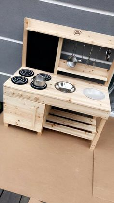 Outdoor Play Kitchen, Diy Mud Kitchen, Mud Kitchen For Kids, Kids Play Area, Backyard For Kids, Outdoor Projects, Play Houses, Exterior, Decoration