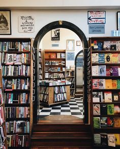City Lights Books San Francisco @ohshootlisa via @americanbooksellers do you have a favorite bookshop? Be sure to vote for all your favorite shops in our BEST SHOP 2019 campaign | Link in Bio | @citylightsbooks is a landmark independent bookshop specializing in world literature the arts & progressive politics - and one of our favorites #bookshop #shelfie #sharingaworldofshops . . .  #citylightsbooks #bookstore #sanfrancisco #booklover #books #bookish #theshopkeepersmaps #theshopkeepersmapssanfra