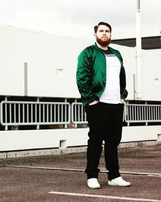 When it comes to big and tall style, our style guy Marv Neal has just the line-up of big and tall bloggers, models and influencers we can't get enough of. Check out our list of 10, well..11 stylish guys that need to be on your radar STAT. Ladies, You can thank us later.   Edi of CaptainThickbeard.com  His Style: 10 Big and Tall Male Influencers You Need to Follow http://thecurvyfashionista.com/2017/03/big-and-tall-influencers/