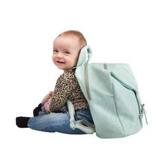 GRY- children´s bag  A backpack for children aged 2-6, approximately.  Convenient for smaller trips with tha daycare or school as it has a large compartment, several smaller pockets and a pocket made especially for a bottle.  The design is very playful and fantasy-inspiring and the colours will surely add some flavour to your childs outfit.    Price: 399 DKK / 55 €