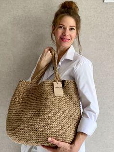 Jute Shopping Bags, Crochet Tote, Jute Tote Bags, Boho Bags, Simple Bags, Knitted Bags, Crochet Patterns, Crochet Bag Tutorials, Purses