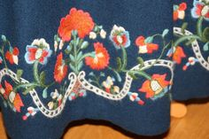 FINN – Damebunad fra Nord Trøndelag, blå Floan bunad Bridal Crown, Wedding Jewelry, Folk, Costumes, Ideas, Popular, Dress Up Clothes, Fancy Dress, Forks