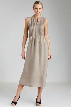Capture Linen Maxi Dress – Linen Dresses For Women Dress Attire, Dress Outfits, Fashion Dresses, Mature Fashion, Simple Dresses, Summer Dresses, Linen Dresses, Designer Dresses, Clothes For Women
