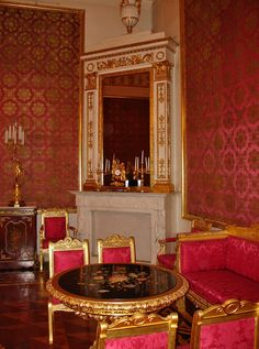 Red Drawing Room....Yusupov Palace on the Moika http://galenf.com/ge5/red04.jpg