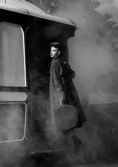 Brief Encounter - For the November 2013 issue of Harrods Magazine, photographer Tibi Clenci captures Semka Semenchenko in retro chic style. Love Fashion, Vintage Fashion, Womens Fashion, Twins Girls, Chic Retro, Trains, Brief Encounter, Travel Chic, Glamour