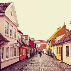 Vakantie met kids: sprookjesachtig Funen in Denemarken - moderne stad Odense met historie van Hans Andersen Odense, My Town, Europe, Travel, City Guides, Inspiration, Biblical Inspiration, Viajes, Trips