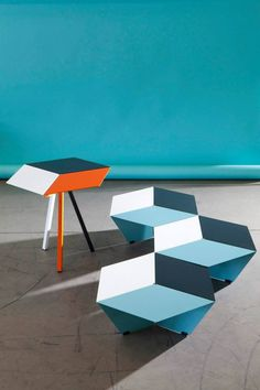 Kuban, optical illusion and variable geometry by Matière Grise Design Furniture, Metal Furniture, Furniture Styles, New Furniture, Table Furniture, Contemporary Furniture, Objet Deco Design, Interior Architecture, House Design