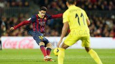 FC Barcelona, Marck Bartra depejándo. | FC Barcelona 2-1 Villareal. J.16  [14.12.13] FOTO: MIGUEL RUIZ - FCB