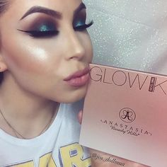That Glow kit @jos_dollmua #abhglow #glowkit