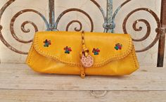 Etsy のYellow Genuine Goat Leather Pencil Case / Glasses Case / Cosmetic Pouch(ショップ名:SaharartDouz)