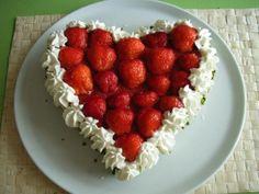 Erdbeerherz-Kuchen