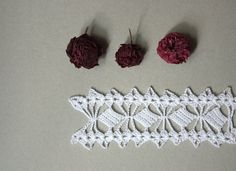 white crochet edge crochet lace trimcrochet by GomitoloEUncinetto, €14.60