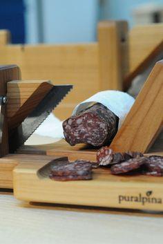 Wooden Sausage #Slicer by Pulalpina – Feine Wurst mit dem richtigen Zubehör aus Holz von #Puralpina.