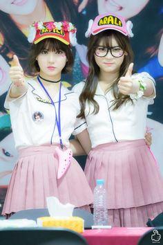 Gfriend- Eunha and Umji Kpop Girl Groups, Korean Girl Groups, Kpop Girls, Gfriend Profile, Kim Ye Won, G Friend, Korean Entertainment, Instagram Influencer, Pretty Photos