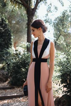 Look invitada de noche: rayas que estilizan | Invitada Perfecta Dressy Outfits, Night Outfits, Chic Outfits, Cocktail Outfit, Hollywood Fashion, Indian Dresses, Evening Dresses, Party Dress, Fashion Dresses