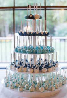 Cake pops at Highfield Hall & Gardens on Cape Cod. Photo by Organic Wedding Phot… Cake pops at Highfield Hall & Gardens on Cape Cod. Photo by Organic Wedding Photography. Wedding Cake Bakery, Wedding Cake Pops, Fall Wedding Cakes, Wedding Desserts, Wedding Catering, Wedding Ideas, Wedding Table, Wedding Cake Alternatives, Alternative To Wedding Cake