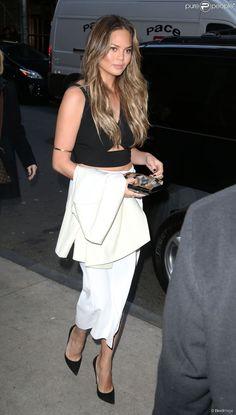 PHOTOS - Chrissy Teigen Arrive aux Billboard Women in Music Luncheon à New York…