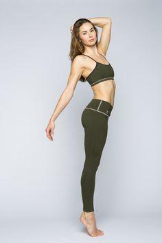 Jennifer Pansa wearing yoga pants by YOGiiZA www.yogiiza.com