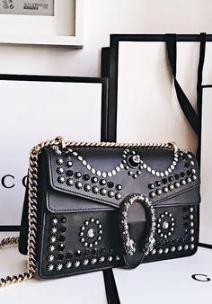 Gucci Dionysus Bags for Sale · sac bandoulière noir Sac Chic, Beaux Sacs,  Chaussure, Cuir, Sac Porté Épaule 87aeda6728e