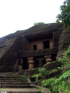 Things to do in Mumbai | Kanheri Caves | Sanjay Gandhi National Park | Borivali | Travel Blog | Woman Traveler | Weekend Getaway | Ancient Caves