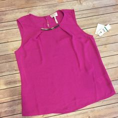 🍁1HR SALE Large Laundry pink top NWT This top is so fun ! Flowy top with a chic neckline and keyhole in the back. NWT & ready to add some color to your closet! Laundry by Shelli Segal Tops Tank Tops