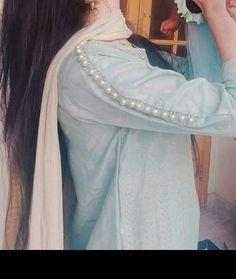 Kurti Sleeves Design, Sleeves Designs For Dresses, Dress Neck Designs, Stylish Dress Designs, Pakistani Dresses Party, Pakistani Dress Design, Simple Kurti Designs, Kurta Designs, African Dresses For Kids