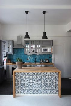 Small kitchen island diy (small kitchen island ideas) – diy kitchen decor on a budget Kitchen Island Ideas On A Budget, Pictures Of Kitchen Islands, Diy Kitchen Island, Kitchen Images, Kitchen Pictures, Wallpaper Kitchen Island, Kitchen Countertops, Quartz Countertops, Kitchen Peninsula