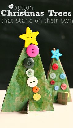 Button Christmas Tree Crafts - No Time For Flash Cards Button Christmas trees made from recycled cardboard that REALLY stand up! Adorable Christmas craft perfect for all ages. Should you love arts and crafts you'll will enjoy our site! Preschool Christmas, Noel Christmas, Christmas Crafts For Kids, Christmas Activities, Christmas Projects, Christmas Themes, Winter Christmas, Holiday Crafts, Holiday Fun