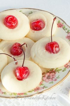 ArtandtheKitchen: Mom's Whipped Shortbread, these shortbread cookies melt in your mouth!