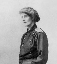 Countess Markievicz, was born in Lissadell, Sligo, Ireland. She is most famous for her leadership role in the Easter Rebellion of 1916 and the revolutionary struggle for freedom in Ireland, for which she risked her life. Irish People, Erin Go Bragh, Irish Roots, Irish Celtic, We Are The World, Famous Women, Wise Women, History Facts, Nasa History