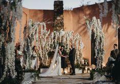 Elegant winter wedding ceremony decor, winter wedding ideas