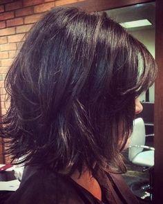 Layered Shag- Bob hairstyles … – Cheveux et coiffures Classy Hairstyles, Bob Hairstyles With Bangs, Layered Bob Hairstyles, Long Bob Haircuts, Amazing Hairstyles, Haircut Short, Unordentlicher Bob, Shag Bob, Long To Short Hair