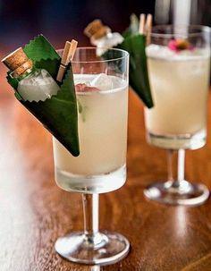 Cocktail Garnish, Cocktail Recipes, Fancy Drinks, Yummy Drinks, Tiny Food, Food Decoration, Cafe Food, Craft Cocktails, Food Presentation