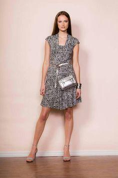 P/É 2016 Muse par Christian Chenail Muse, Dresses For Work, Fashion, Moda, Fasion, Trendy Fashion, La Mode