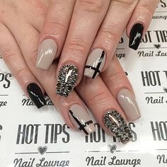 Nails by @t.hottips