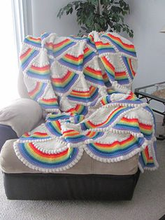 Crochet. Rainbow Afghan Free Pattern. Could put some Unicorn motifs on here too!