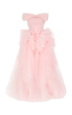 Shop Off The Shoulder Tulle Gown. This **Christian Siriano** Off The Shoulder Tulle Gown features a fitted bodice with an off-the-shoulder neckline and a full tulle skirt with dramatic hand pleated details. Fashion Line, Kpop Fashion, Casual Dresses, Fashion Dresses, Prom Dresses, Pretty Dresses, Beautiful Dresses, Maude, Ball Gowns Evening