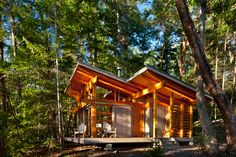 Red Cedar Cabin Paradise On The Gulf Islands Tiny Cabins, Tiny House Cabin, Cabins And Cottages, Cabin Homes, Cottage Design, Tiny House Design, Prefab Homes Canada, Timber Frame Cabin, Cedar Cabin