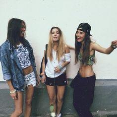 Grunge girls Follow: https://www.pinterest.com/mrsShazza/urban-street-wear/